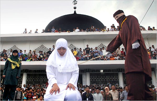 INDONESIA_-_caning_for_adultery