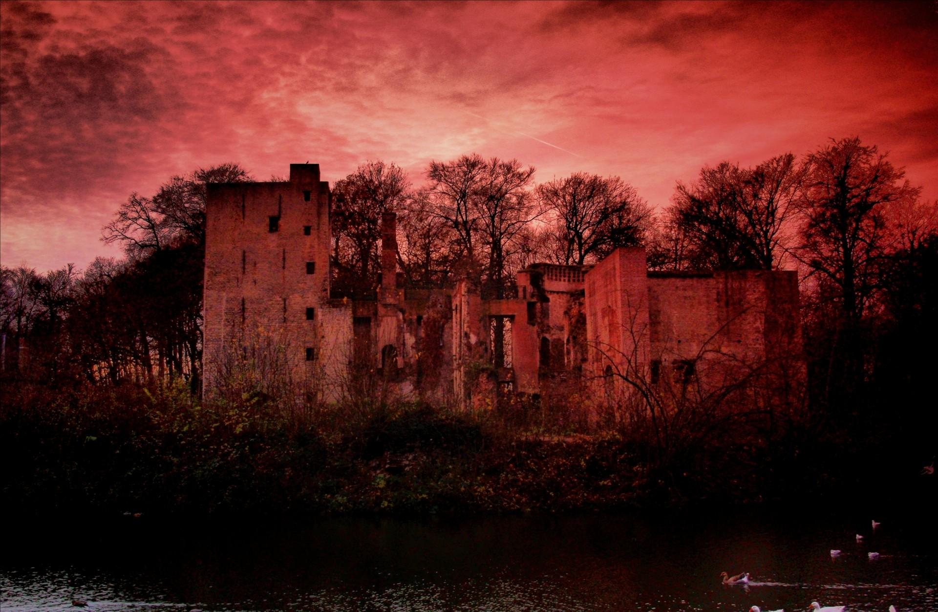 PG-spooky-castle