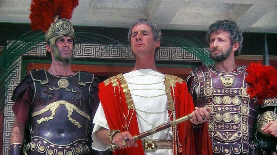 social-media-and-the-romans-monty-python-900x506